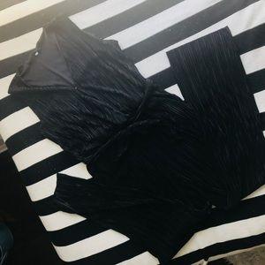 Vintage Inspired Pleated Black V Neck Jumpsuit XL